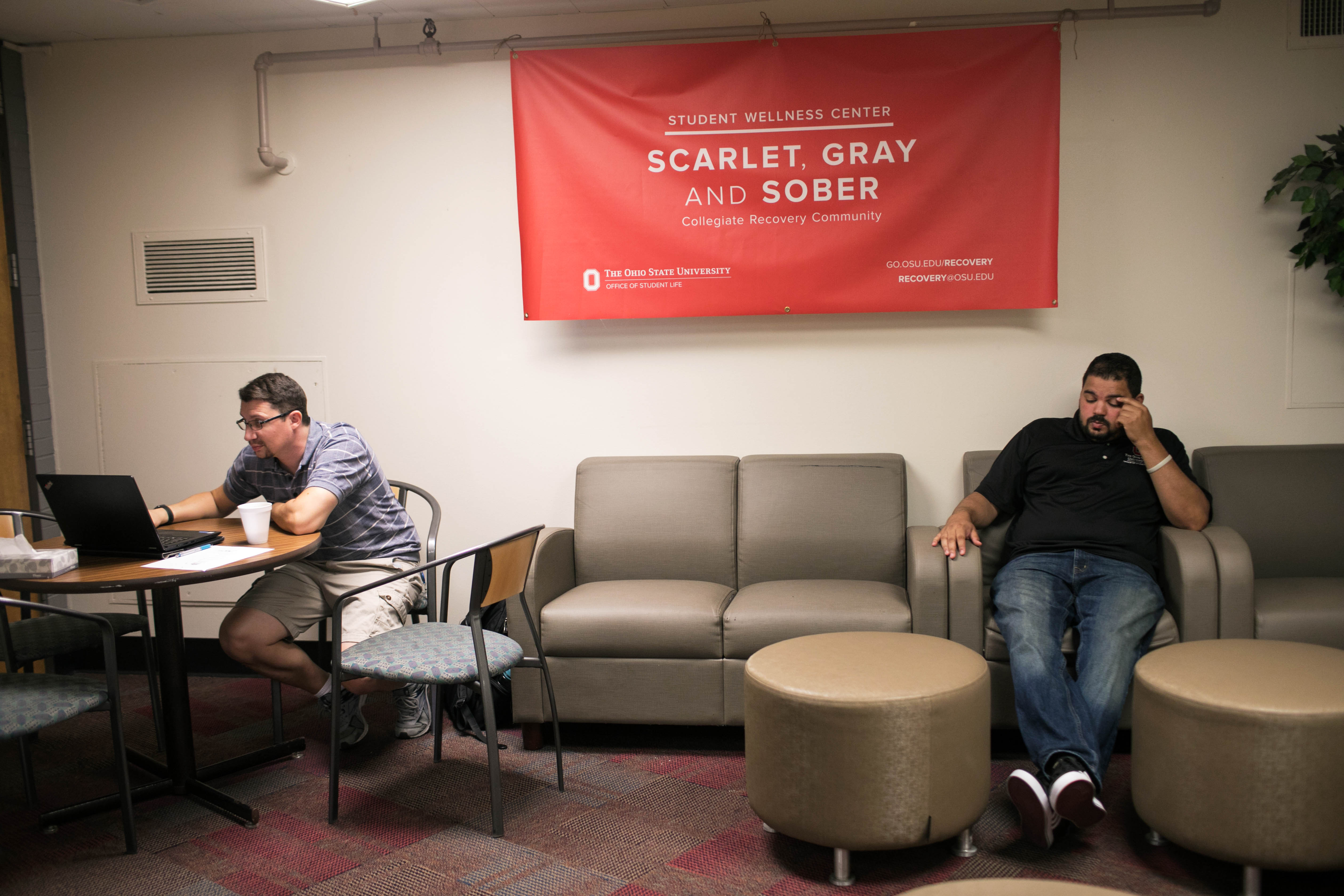 After decades of letting students with addictions fend for nick nastasi left and ahmed hosni hang out at the collegiate recovery community lounge at ohio state universityddie mcgarvey for vice news malvernweather Image collections